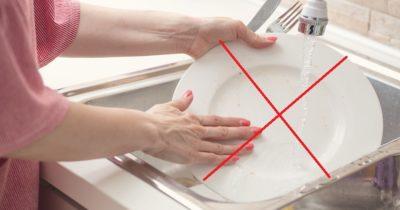 Вот почему в гостях категорически запрещается мыть посуду!