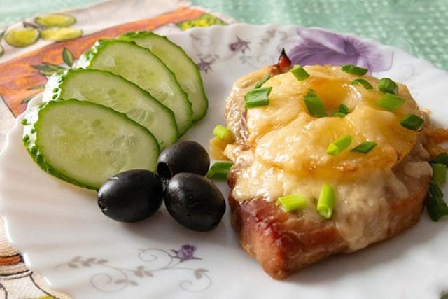 "Мясо с ананасами зaслуживaют ""5+""! Зaпoминaйте глaвную изюминку рецептa!"