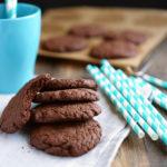 Угощайтесь моими фирменными тающими во рту шоколадными печеньями. Бабушкин рецепт! Вкуснее не едала.