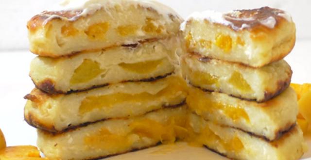 Сырники из творога любят многие, а сырники с начинкой из абрикосов, уверяю — полюбят абсолютно все. Нежные сырники, с ароматной начинкой, получаются невероятно вкусными.