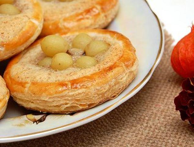 Пирожные – слойки с виноградом ЗАТМЯТ ЛЮБУЮ ШАРЛОТКУ! БОЖЕСТВЕННОЕ ЛАКОМСТВО.