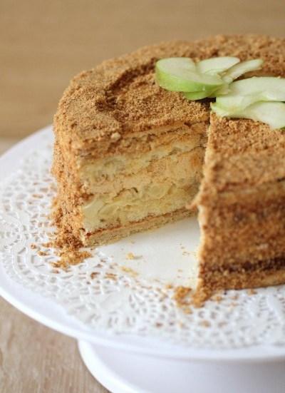 Яблочный торт с баварским муссом  — ПРОСТОЙ В ПРИГОТОВЛЕНИИ, НО ОЧЕНЬ ВКУСНЫЙ.