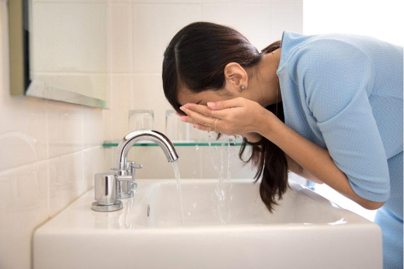 odua-images-washing-face