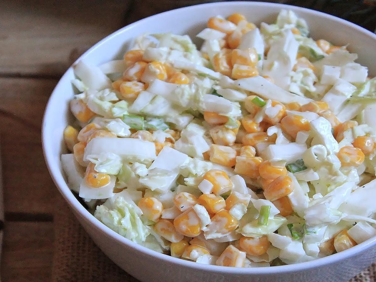 salat-s-kitaiskoi-kapustoi-i-kukuruzoi_1563335843_1_max