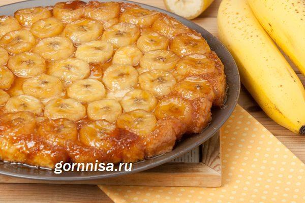 zalivnoj-banananovyj-pirog-1