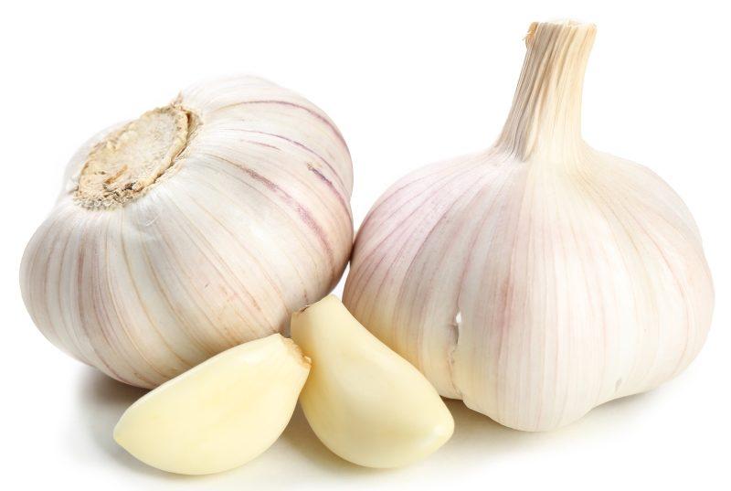 garlic-isolated-on-white-2