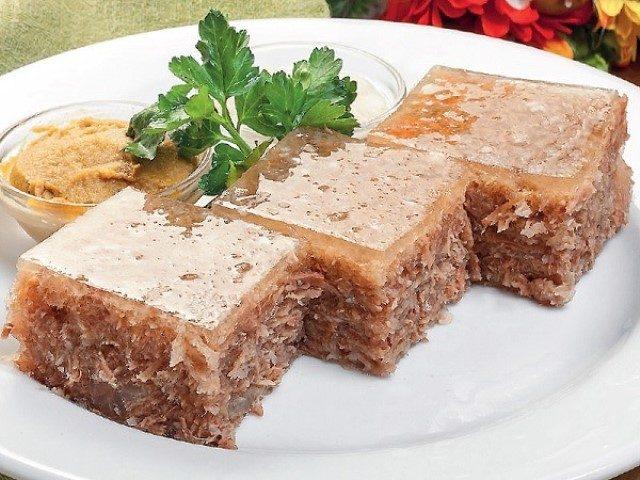 holodecz-vkusnoe-blyudo-zamechatelno-podojdet-k-novogodnemu-stolu-proverennyj-reczept-1