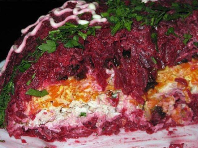 interesnoe-i-originalnoe-sochetanie-salat-mongolskaya-gorka-1