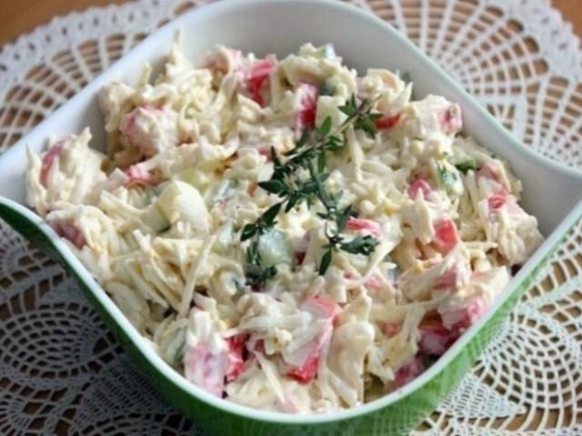 krasivyj-salat-rusalochka-ochen-vkusnoe-sochetanie-produktov-1-2