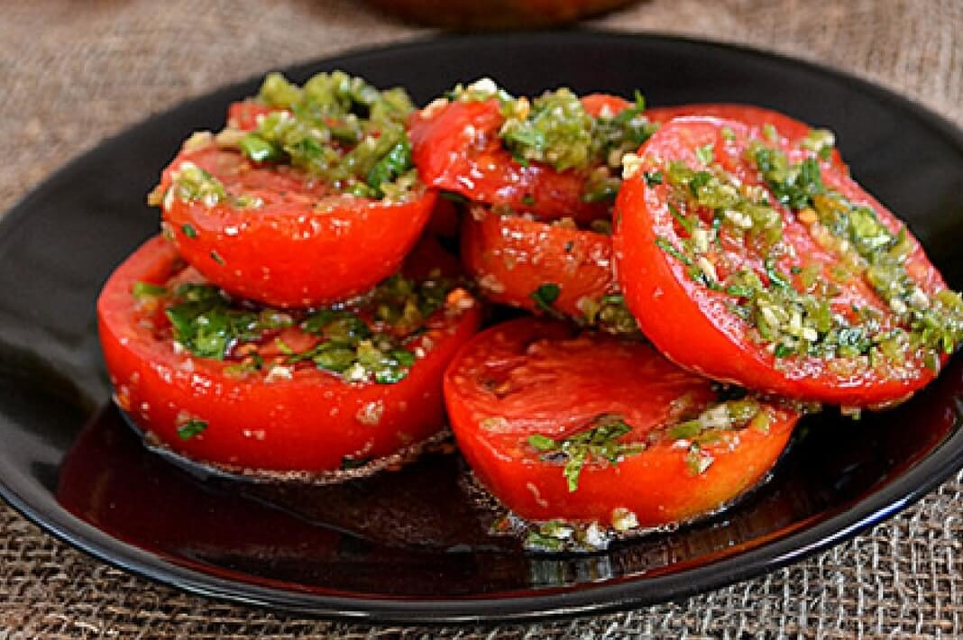 pomidory-po-koreyski-prosto-obedene