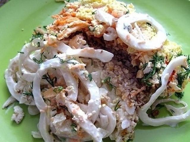 udivitelnyj-salat-s-kalmarami-i-orehami-morskie-fantazii-1